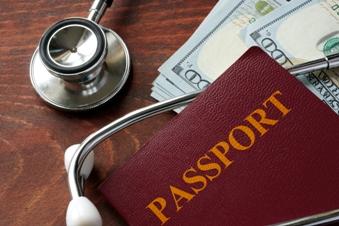 Mit dem richtigen Versicherungsschutz sicher in den Urlaub starten
