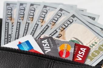 Wählen Sie während Ihrer Reise das richtige Zahlungsmittel